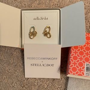 Stella and Dot RARE Maika Earrings with box